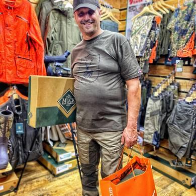 Nakupuj v Deerland🦌 ☑️VÝHODNE ☑️SPOKOJNE ☑️S ODBORNÝM PORADENSTVOM ☑️V RODINNOM PROSTREDÍ ☑️S VERNOSTNÝM PROGRAMOM ☑️KVALITNÉ SVETOVÉ ZNAČKY  Buď aj ty #teamdeerland 🦾  #deerland #teamdeerland #shopping #hunting #huntingbrands #blaser #swedteam #deerhunter #fjallraven #chevalier #muckboot #alaskaelk1795 #pinewood #meindl #primos #hillman #lechameau #helle #victorinox #nightpearl #bushnell #browning #shopnow